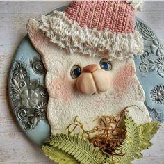 Pasta Flexible, Llamas, Crochet Hats, Christmas Ornaments, Holiday Decor, Home Decor, Crocheted Hats, Xmas Ornaments, Homemade Home Decor