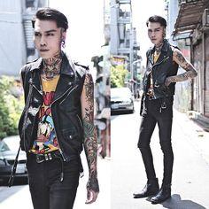 Get this look: http://lb.nu/look/8340876  More looks by IVAN Chang: http://lb.nu/ivan  Items in this look:  Tastemaker 達新美 Vintage Leather Vest, Asos Jeans, Asos Boot   #artistic #street #vintage