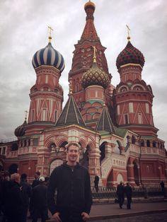 Mark Zuckerberg y su viaje a Rusia  Edit  El fundador de Facebook visita por primera vez el suelo de Rusia, Este lunes el CEO de la red social se reunio con el primer ministro de Rusia Dimitri Medvedev, en el encuentro se trataron temas como la seguridad