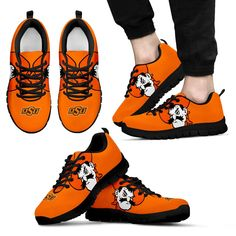 Toms Shoes OFF! Oklahoma Sooners Football, Oklahoma State University, College Football, Cowboys Gifts, University Outfit, Running Shoes, Trainers, Shoes Sneakers, Tom Boy