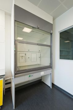 As part of the base build for this speculative laboratory and office development, MLA was commissioned to fit out 30,000 sq ft of BioIncubator Laboratories with associated clean rooms and office/administration space for the life science research & production industry