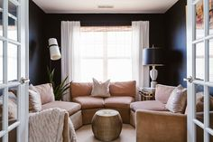 The TV lounge is Ariene's favorite room in the house. Inherited pieces mix with modern ones for a cozy atmosphere.