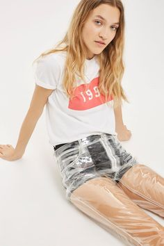 Think outside the box with these out-of-the-ordinary clear plastic jeans – guaranteed to get people talking. In a straight leg cut, they feature classic pockets detailing and are cropped at the ankle bone. Ideal as a statement piece for a festival or costume party, take the look to the extreme with a bikini and sequin jacket or dress down, layered under an oversized jumper or asymmetric hem dress.