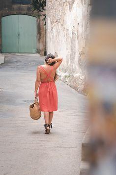 Perfect cross back dress sewing tutorial // DIY de la robe d'été à dos croisé (sans patron)