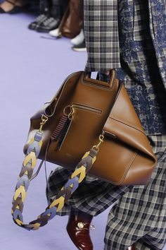 Mulberry Fall 2017 Ready-to-Wear Accessories Photos - Vogue