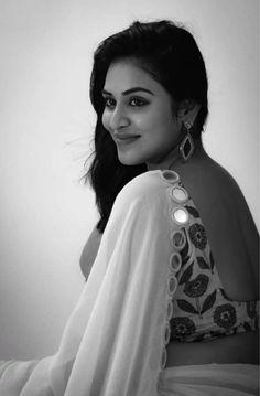 Sizzling photos of Actress Induja. Beautiful Girl Indian, Beautiful Indian Actress, Beautiful Actresses, Beautiful Saree, Hollywood Actress Photos, Hollywood Heroines, Punjabi Actress, Bollywood Actress Hot, Tamanna Hot Images