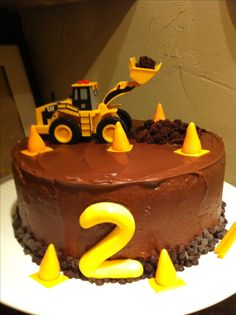Construction cake- simple yet cute for small party.