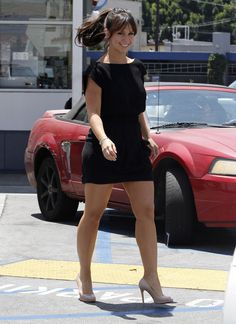 Jennifer Love Hewitt Struts Her Sturdy, See Hot Image Great Legs, Nice Legs, Beautiful Legs, Gorgeous Women, Jennifer Love Hewitt Body, Jeniffer Love, Pernas Sexy, Sexy Legs And Heels, Beautiful Celebrities