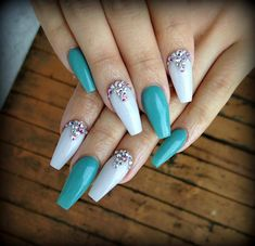 60 ideas for birthday nails coffin teal Turqoise Nails, Teal Acrylic Nails, Acrylic Nail Designs, Nail Swag, Trendy Nails, Cute Nails, Nails Today, Nail Jewels, Coffin Nails Long