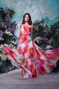 Vogue Fashion, Runway Fashion, Fashion News, Fashion Beauty, Fashion Show, Fashion Outfits, Fashion Trends, Marchesa, Models