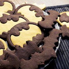 The Dark Cookie Rises - Scharz-Weiss Gebäck mal anders - Die Batman Plätzchen sind ein echter Hingucker auf dem Plätzchenteller