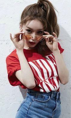 Korean Fashion Trends you can Steal – Designer Fashion Tips Redhead Girl, Brunette Girl, Kpop Girl Groups, Kpop Girls, Kpop Fashion, Korean Fashion, Girls Generation, Poses, Korean Girl