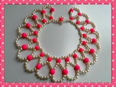 Project of the day: Happy Hearts Necklace The materials you need: beads colors) seedbeads 2 size 10 or 12 needles thread (optional thread conditio. Tutorial Colar, Necklace Tutorial, Seed Bead Necklace, Diy Necklace, Pearl Necklace, Beaded Crafts, Jewelry Crafts, Diy Crafts, Beading Tutorials
