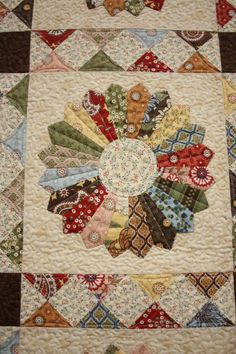 Great sashing on Dresden.- beautiful scrappy dresden and sashing Patchwork Quilting, Scrappy Quilts, Mini Quilts, Applique Quilts, Dresden Plate Patterns, Quilt Block Patterns, Quilt Blocks, Hexagon Quilt, Dresden Quilt
