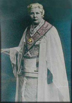 Annie Besant, Co-Mason