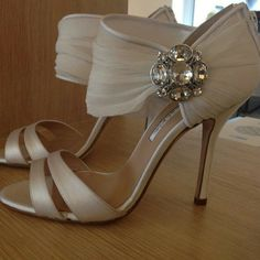 The brides shoes beautiful