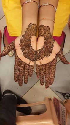 Mehndi Design by Sarita Sharma Follow - pinterest.com/rOKr6