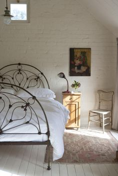 an airy girlish bedroom with a white brick wall and a forged bed, shabby chic and vintage furniture Dream Bedroom, Home Bedroom, Bedroom Decor, Brick Wall Bedroom, Brick Walls, Beautiful Bedrooms, Bed Frame, Living Spaces, Sweet Home