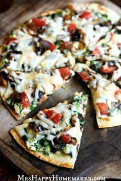Applebee's Copycat Veggie Patch Pizza – Mrs Happy Homemaker Cold Vegetable Pizza, Vegetable Pizza Recipes, Vegetarian Pizza Recipe, Veggie Pizza, Healthy Pizza, Vegan Recipes, Cooking Recipes, Fondue Recipes, Healthy Eating