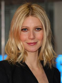 Gwyneth Paltrow has bid adieu to her long, sleek blond mane, changing things up with wavy, shoulder-length hair. It's great to see a fresh new cut on her, but Mid Length Hair, Shoulder Length Hair, Long Bob Hairstyles, Pretty Hairstyles, Pixie Haircuts, Layered Haircuts, Braided Hairstyles, Wedding Hairstyles, Gwyneth Paltrow