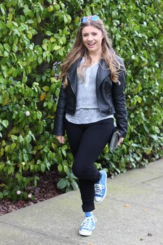 how to wear sneakers without yoga pants