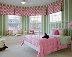 Streifen Kinderzimmer-Mädchen Fensterbank
