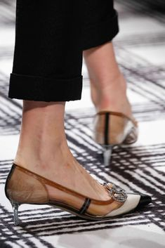 Explore the looks, models, and beauty from the Balenciaga Autumn/Winter 2015 Ready-To-Wear show in Paris on 6 March with show report by Jessica Bumpus Pretty Shoes, Beautiful Shoes, Shoe Boots, Shoes Heels, Style Africain, Mode Shoes, Louboutin, Dream Shoes, Summer Shoes