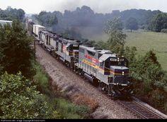RailPictures.Net Photo: L&N 4092 Louisville & Nashville EMD GP38-2 at Calhoun, Georgia by David Harris