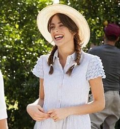 Martina Stoessel Fashion Tv, Fashion Beauty, Autumn Fashion, Violetta Outfits, Beautiful Outfits, Cute Outfits, Hot Brunette, Vacation Outfits, New Wardrobe