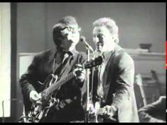 Roy Orbison with Bruce Springsteen, Bonnie Raitt, k.d. lang, Elvis Costello, & Tom Waits - Dream Baby