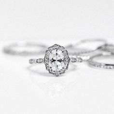 Miadonna Ethical Engagement Ring