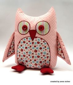 Ahhh...so cute! Stuffed Owl made out of Stampin' Up fabric.