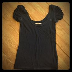 Abercrombie and Fitch XS Navy Scoopneck t shirt Navy Scoopneck tshirt Abercrombie & Fitch Tops Tees - Short Sleeve