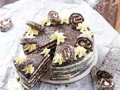 Így készül a kókusztekercs torta.