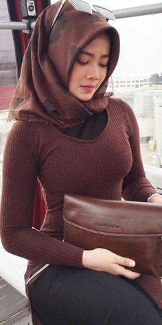 Top Brain Foods for Children - Healthy Diet Plans for Kids - Her Crochet Hijab Elegante, Hijab Chic, Beautiful Muslim Women, Beautiful Hijab, Hijabi Girl, Girl Hijab, Arab Girls, Muslim Girls, Hijab Jeans