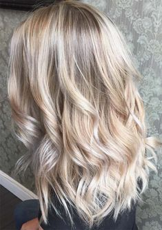 Do you blonde, balayage and brown hair colors are in trends among ladies around the world. No doubt blonde hairstyles are timeless, trendy and easy to manage. Women always like to wear this hair color just to most attractive and cute hair looks. We are going to show you here the awesome ideas for blonde hair for 2018.