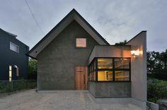 家のデザイン:守山の家をご紹介。こちらでお気に入りの家デザインを見つけて、自分だけの素敵な家を完成させましょう。