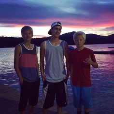 Carson With His Brother And A Friend