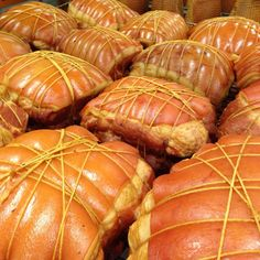 "The art of the craft of hand tying ham. This is a traditional ""metzger""/butchers ham. www.andrewschoice.com.au Christmas Ham, Pumpkin, Traditional, Vegetables, Crafts, Food, Christmas Ham Glaze, Buttercup Squash, Manualidades"
