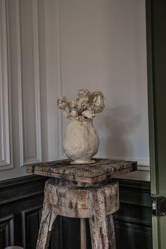 L'appartement Merci | MilK decoration Architecture, Bella, Still Life, Decoration, House Design, Sculpture, Statue, Ceramics, Interior Design