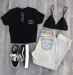 Summer outfit with jeans - Mode outfits Outfit Jeans, Jeans Outfit Summer, Summer Jeans, T Shirt Outfits, Batman Outfits, Denim Outfits, Summer Skirts, Grunge Outfits, Summer Dresses