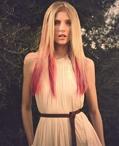 How to wear pink hair... See a variety of ways to rock the pink hair trend with sophistication. Pink Hair Dye, Hair Color Pink, Dyed Hair, Blond Hairstyles, Straight Hairstyles, Blonde Dip Dye, Blonde Hair, Bleach Blonde, Bright Hair