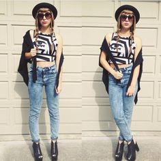 High waist jeans and crop top