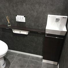 女性で、4LDKのアクセントクロス/壁紙/クッションフロア/男前/バス/トイレについてのインテリア実例を紹介。(この写真は 2016-10-29 08:50:17 に共有されました)