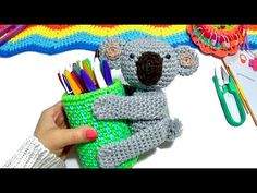KOALA PROTECTOR DE UTILES TEJIDO A CROCHET PASO A PASO - YouTube Crochet Animals, Crochet Necklace, Toddler Girls, Glitter, Crocheted Animals