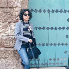 Ponte unas gafas gigantes y la gente no se da cuenta de que no vas maquillada.  Feliz jueves! -- Advise of the day: wear a big pair of glasses and people won't notice you are not wearing makeup.     #Nomakeup  #nomakeupon #sinmaquillaje #sinmaquillar #ファッション #murcia #spain #vsco #fashion #女の子 #blogger #cacheada #cachos #ootd #curlyhair #curlyhairdontcare #outfit #instablogger #lotd #curly #bloggerssinfronteras #amerindiascloset#bloggermurcia