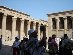 #magiaswiat #rejsponilu #podróż #wakacje #zwiedzanie # afryka #blog #świątynie #nil #rzeka #rejs #alabaster #wytwórnia #komombo #sobek #luxor #edfu #horus #plantacja #banany Louvre, Street View, Blog, Travel, Viajes, Blogging, Destinations, Traveling, Trips