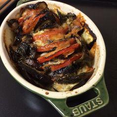 トマトとナスと椎茸の重ねチーズバジル焼き
