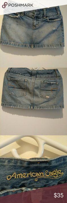 American Eagle skirt/ mini Women's. Size 4 Beatiful. Perfect condition american eagle Skirts Mini