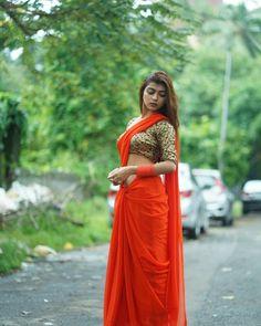 Orange Saree, Desi Models, Plain Saree, Saree Navel, Saree Photoshoot, Blouse Neck Designs, Indian Designer Outfits, Traditional Sarees, Indian Beauty Saree